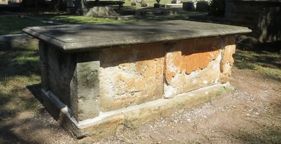 Completely repaired box grave